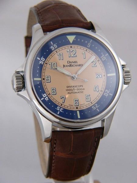 e55f38253b3 Daniel JeanRichard Diverscope Diver watch